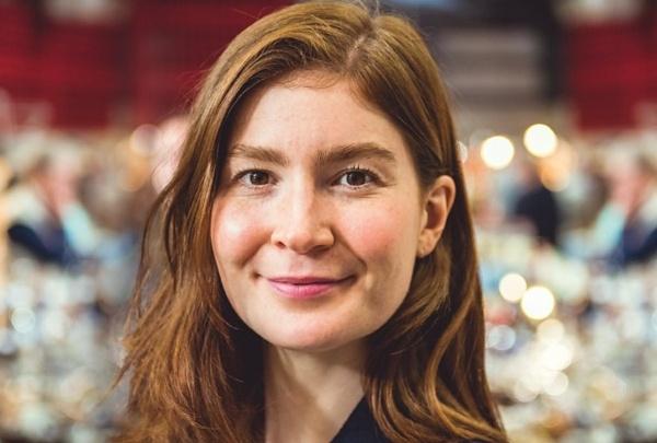 Natasha Raskin Sharp (Bargain Hunt) Wiki, Age, Husband, Wedding, Parents, Height, Net Worth, Instagram, Nationality